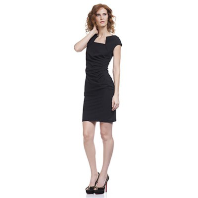 Shape dress with Asymetric Neck Black