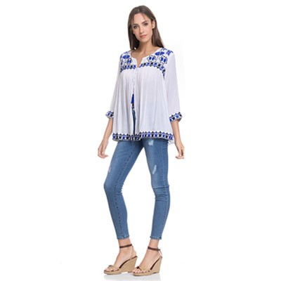 Open Blouse with embroidery in the chest, sleeves and low part White - Fashionalia